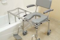 Getting In Out Of The Bathtub Benches Lifts And Transfer Chairs with proportions 899 X 1059