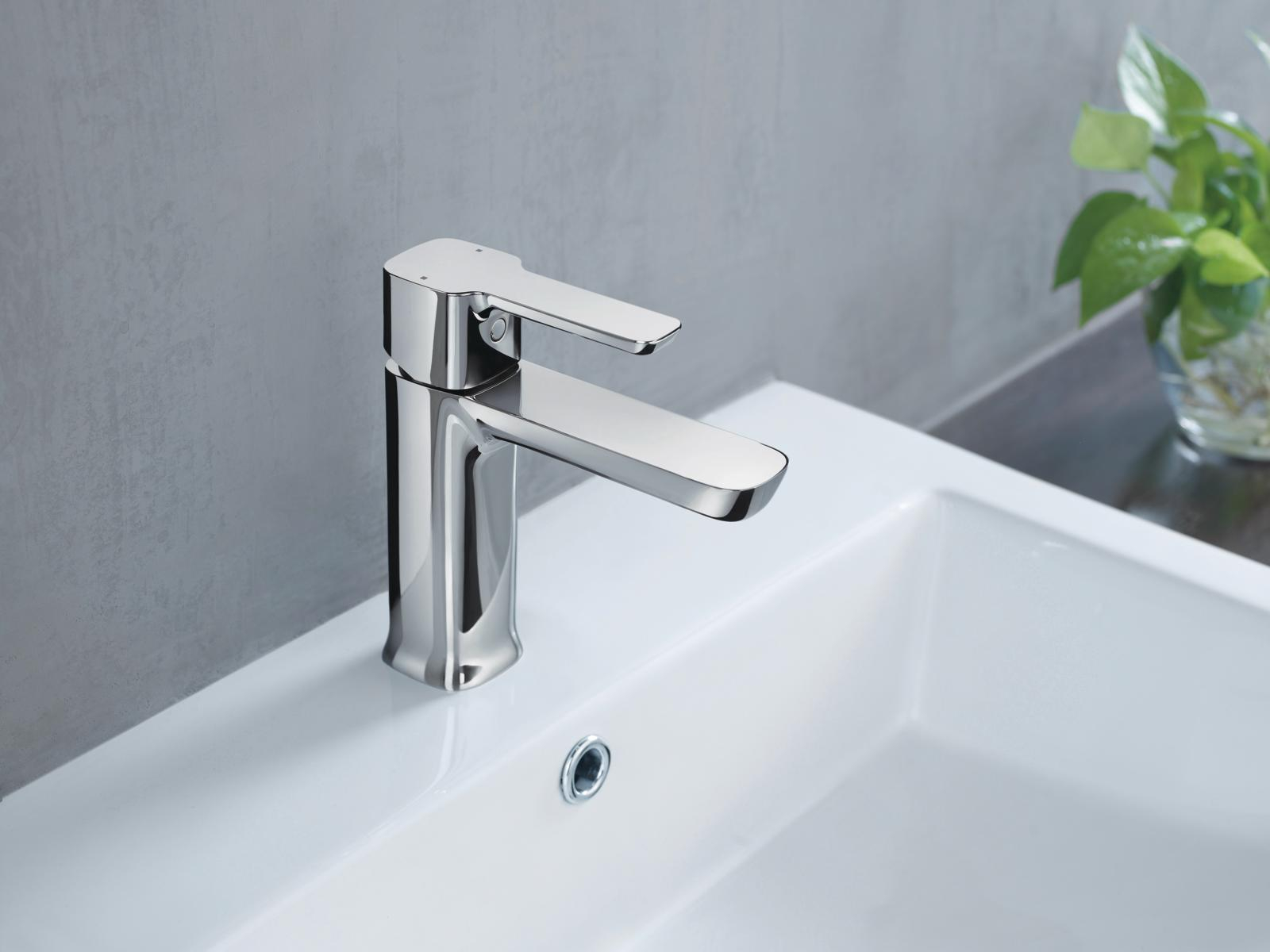 Modern Bathroom Collection Delta Faucet in dimensions 1600 X 1200