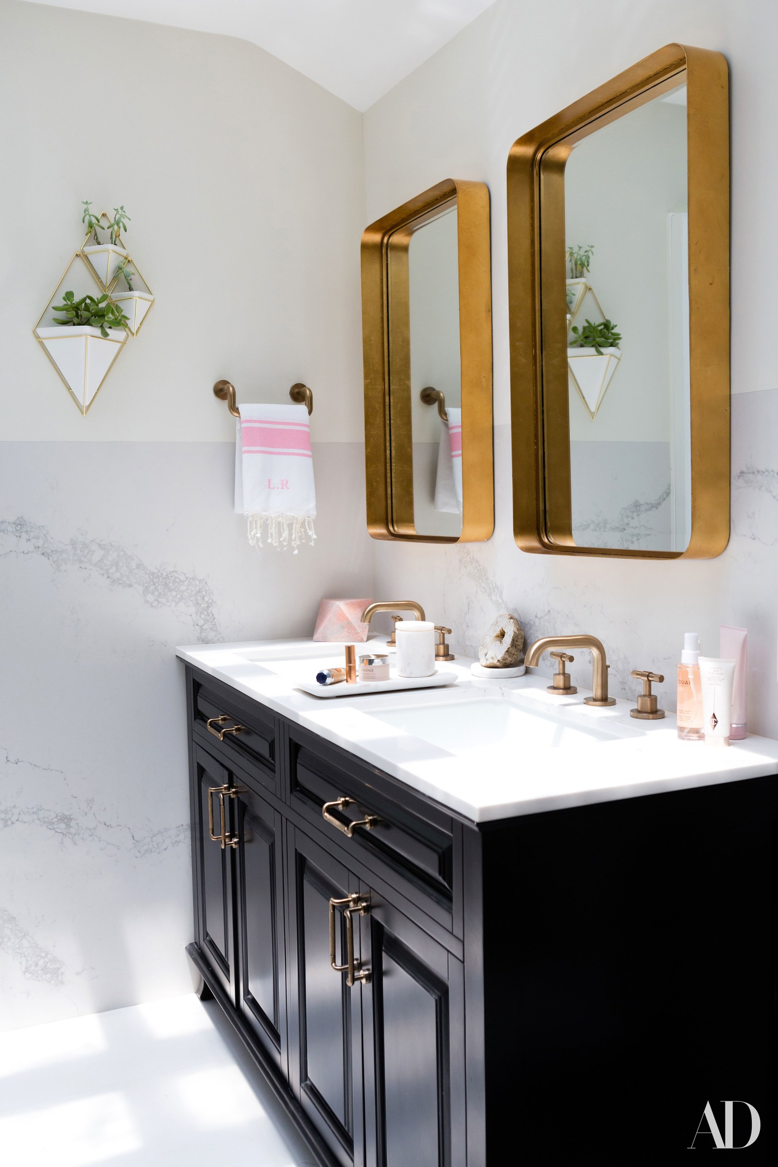 12 Bathroom Mirror Ideas For Every Style Architectural Digest with regard to dimensions 1600 X 2400