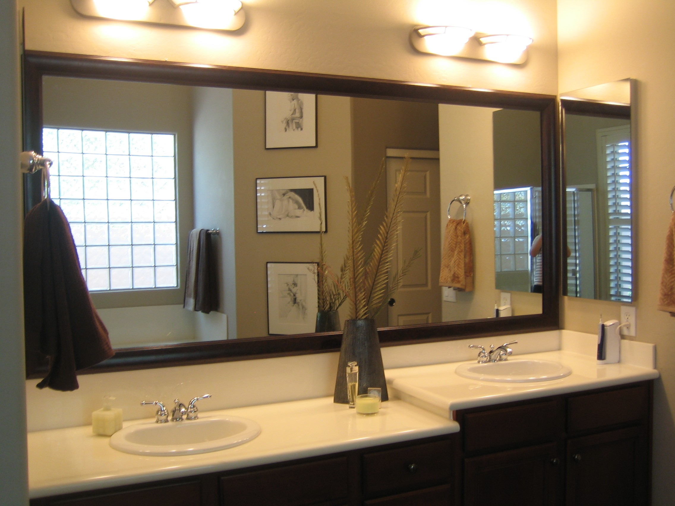 Engaging Bathroom Vanities Lights And Mirrors Standard for dimensions 2272 X 1704