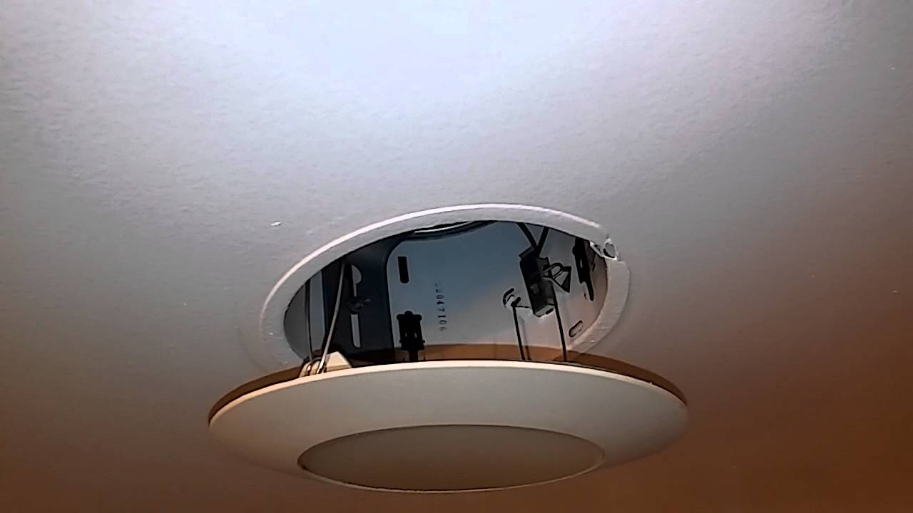 Replacing A Light Bulb With Recessed Lighting inside dimensions 1280 X 720