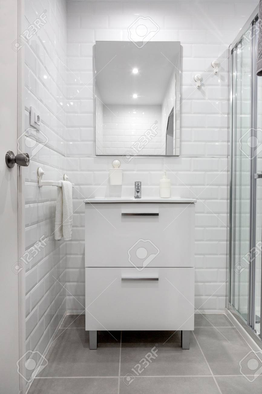 Sink And Mirror In The Bathroom Background throughout size 866 X 1300