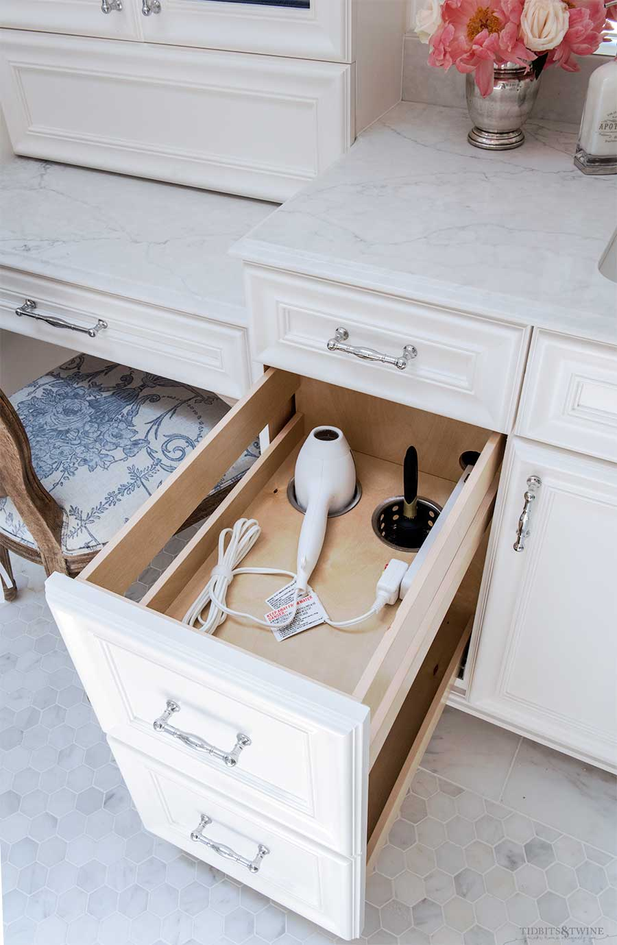 Clever Ideas To Maximize Bathroom Storage Tidbitstwine for proportions 900 X 1379