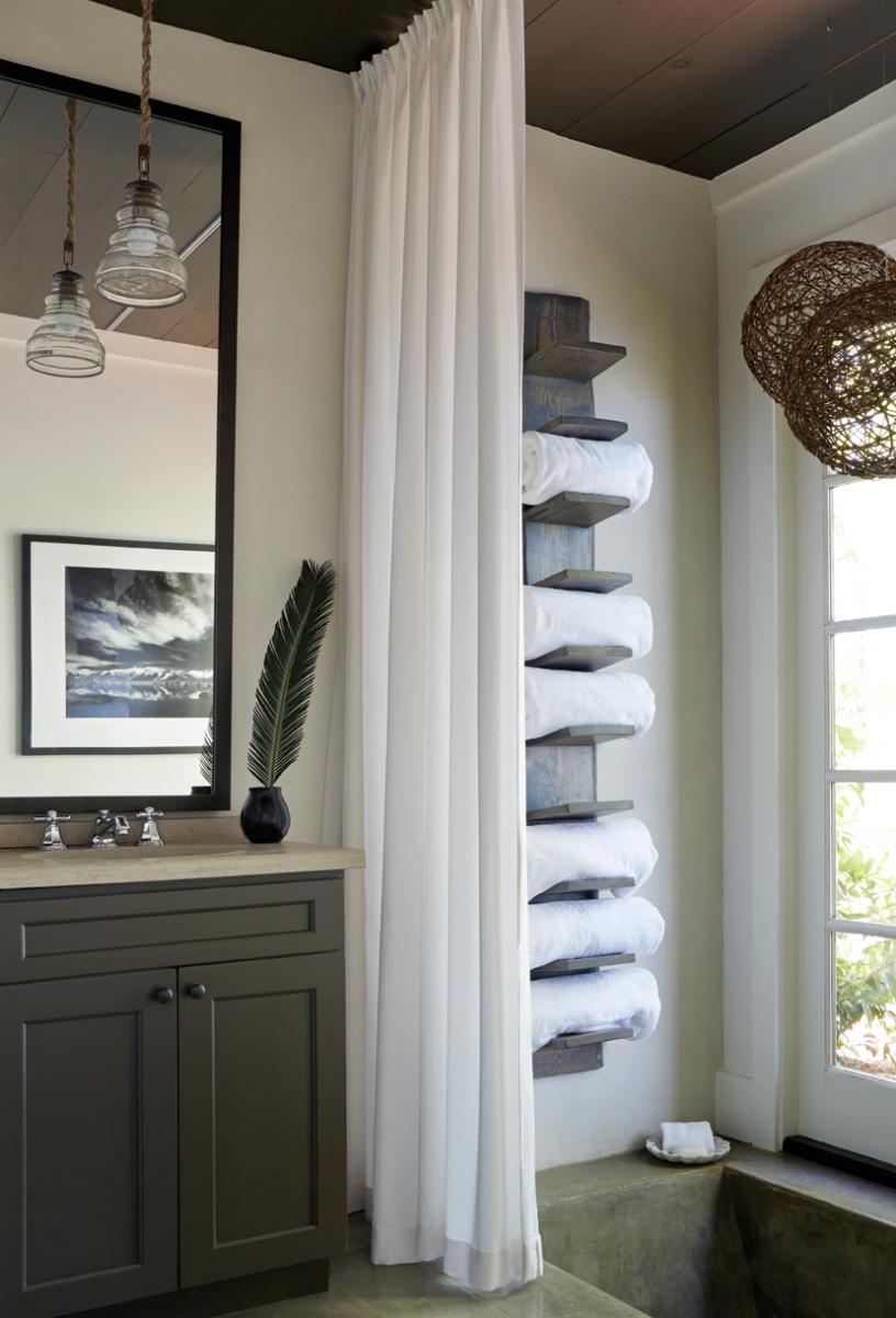 Front Row Bath Styling Bathroom Towel Storage Pool in sizing 816 X 1200